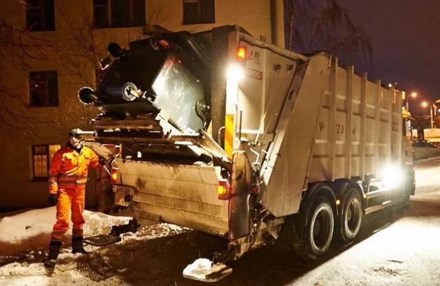 Ночной вывоз мусора