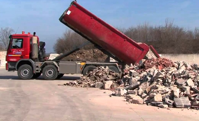 Вывоз мусора после демонтажа