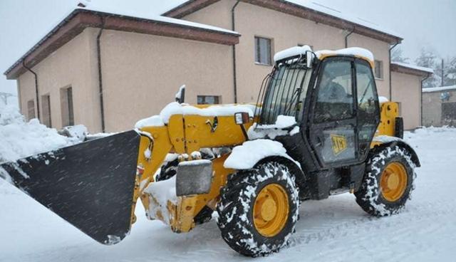 Вывоз снега с придомовой территории