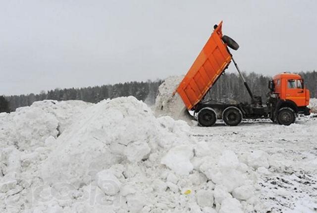 Вывоз снега с территории самосвалами