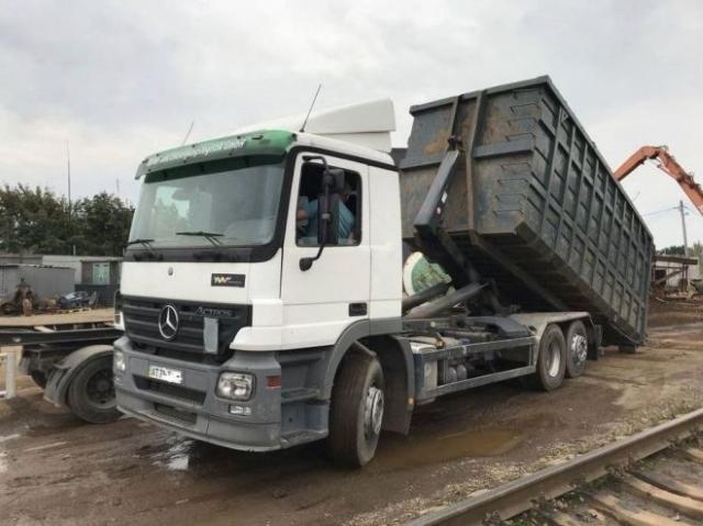 Вывоз мусора мультилифтом на Калужской